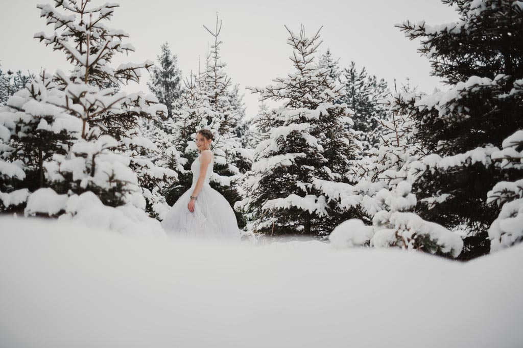 Trash the Dress Winter Schnee 001 1 - After Wedding Shooting im Winter