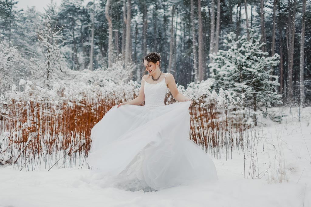 Trash the Dress Winter Schnee 012 - After Wedding Shooting im Winter