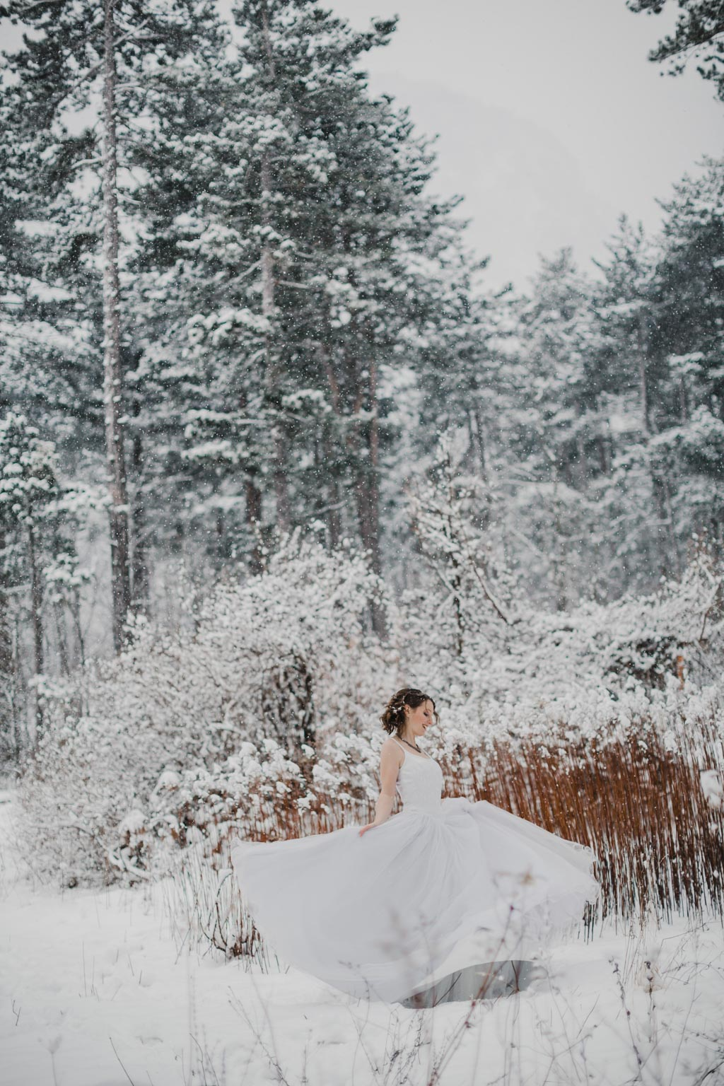 Trash the Dress Winter Schnee 013 - After Wedding Shooting im Winter