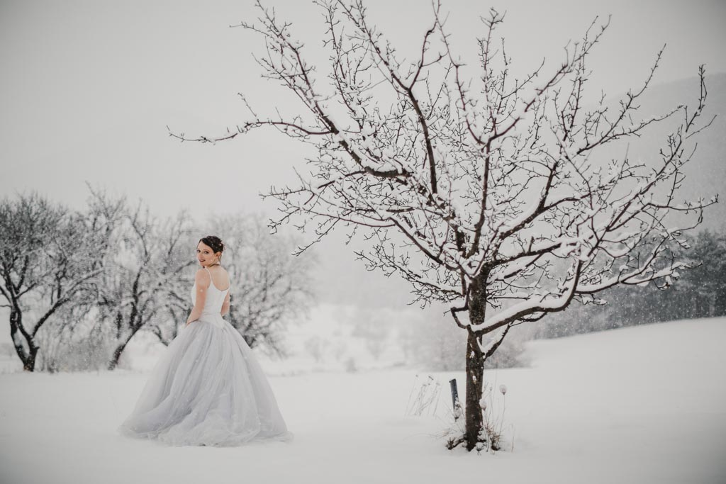Trash the Dress Winter Schnee 016 - After Wedding Shooting im Winter