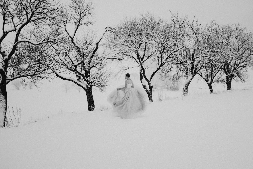 Trash the Dress Winter Schnee 018 - After Wedding Shooting im Winter