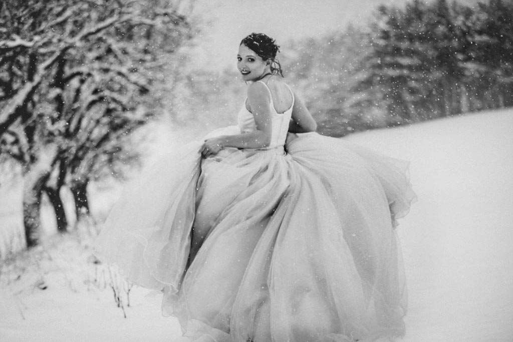 Trash the Dress Winter Schnee 020 - After Wedding Shooting im Winter