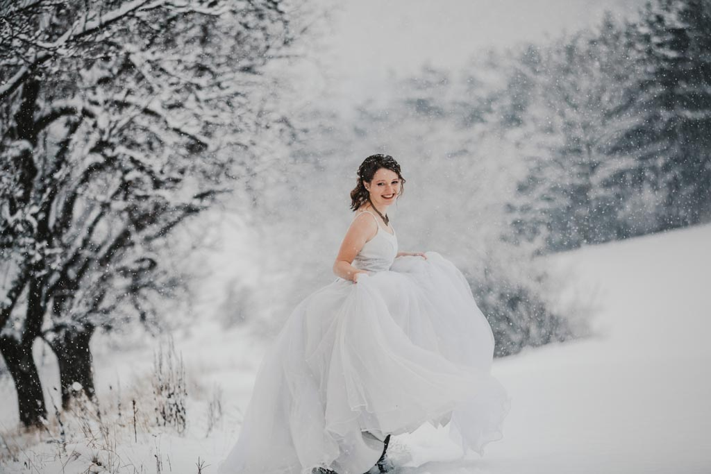 Trash the Dress Winter Schnee 021 - After Wedding Shooting im Winter